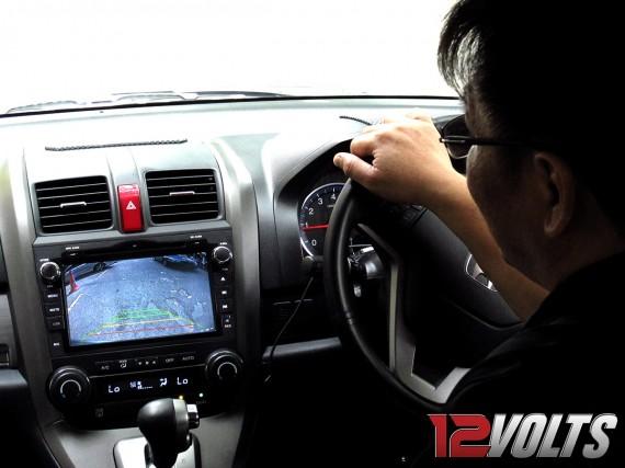 Honda CRV OEM (2011) DVD Player with PowerMap and Reverse Camera View