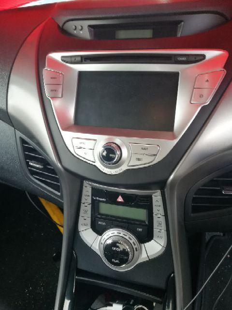 Dashboard Design - Hyundai Elantra 2012